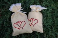 Dāvanu maisiņš ar sirsniņām